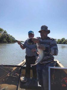 Рыбалка на катере в Астрахани